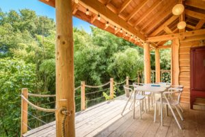 EtxeXuria-cabane terrasse couverte