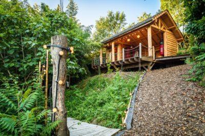EtxeXuria-cabane terrasse couverte vue d'en bas