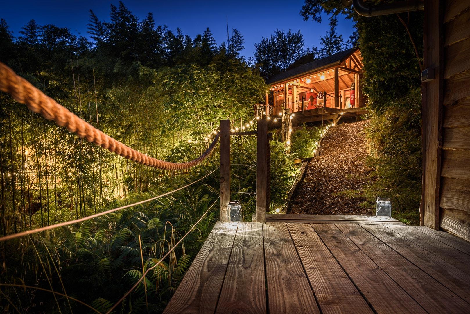 EtxeXuria-cabane terrasse nuit vue d'en bas