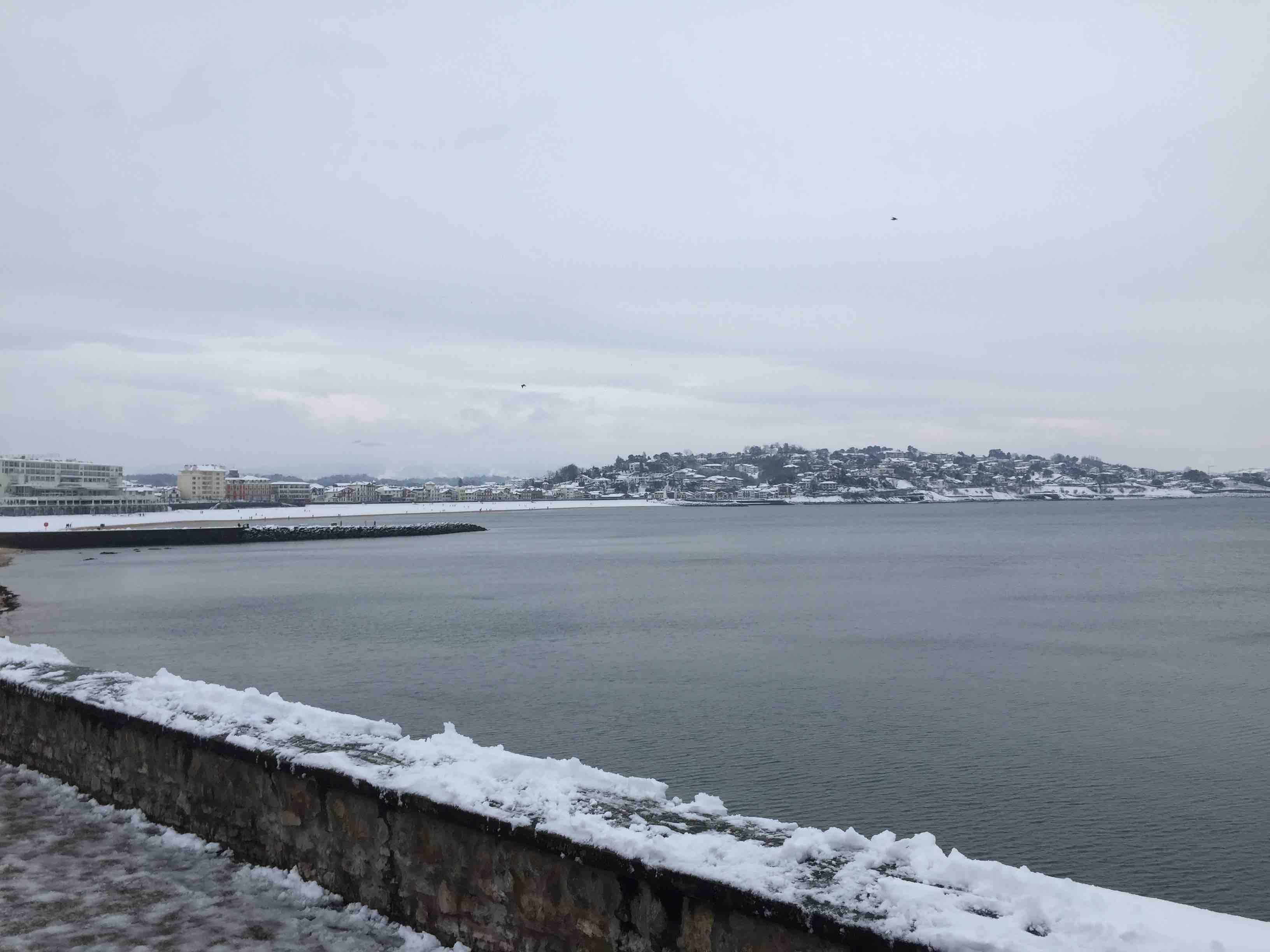 La baie de St Jean sous la neige-min
